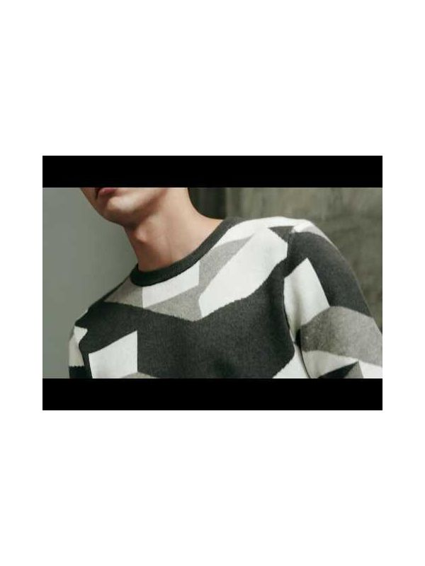 CREW NECK KNITTED SWEATER WITH PATTERN